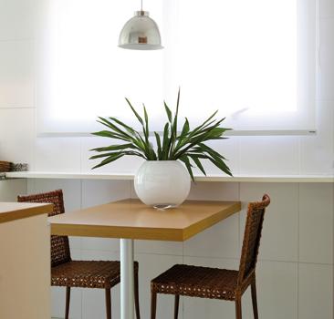 Mesa pequena para cozinha arm rio e ambiente decora o - Mesas para ordenador pequenas ...