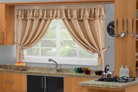 Modelo de cortina para cozinha decora o e xadrez - Cortinas de lona para balcon ...